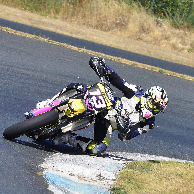 El motociclismo gallego estrena A Madalena